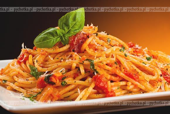 Spaghetti z pesto pomidorowym