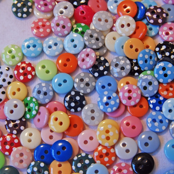 Dots and buttons, how fun!: Dots Buttons, Buttons Gotta, Buttons Jars, Buttons Botton Botton, Buttons Bags, Crafts Buttons, Buttons Sewing, Buttons Moon, Buttons Buttons Who