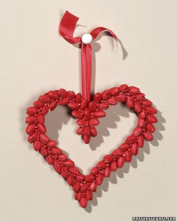 DIY wreaths valentine pistachios painted red: Valentines Crafts, Heart Wreaths, Anniversaries Ideas, Valentines Day Wreaths, Valentines Wreaths, Red Felt, Martha Stewart, Pistachios Wreaths, Heart Decor