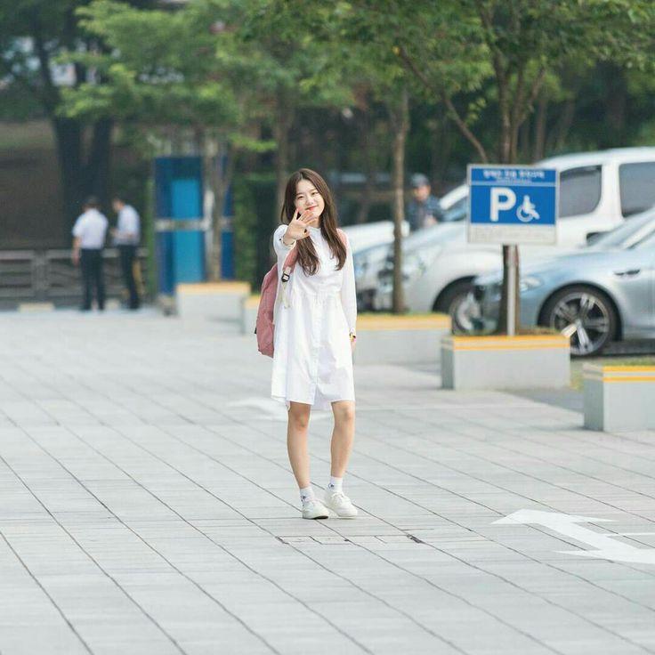Kim Sohye Um poço de fofura e atenção! FOFU esse look dela não?