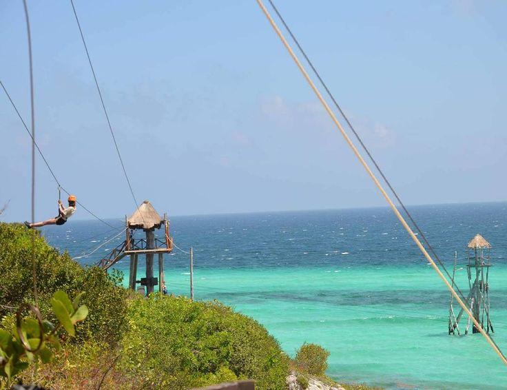 Practicando #Tirolina en #GarrafonPark situado en #Islamujeres un paraíso del #caribe próximo #cancún . Actividad #Onlybefrom by vero4travel