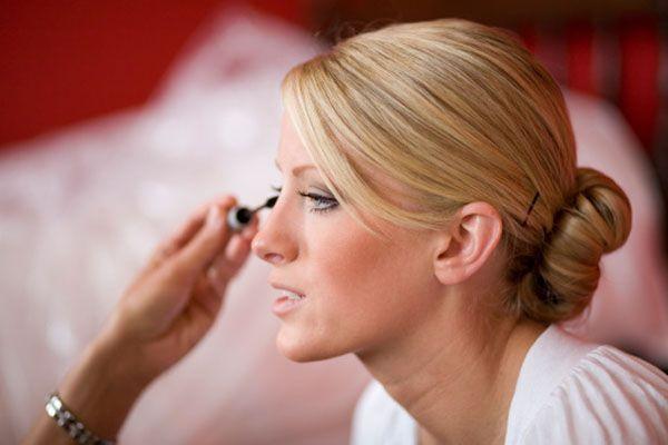 10 consigli per far resistere il trucco al grande giorno  #sposa #bellezza