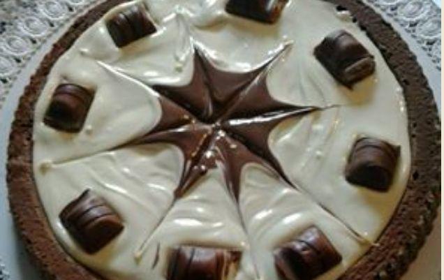 La ricetta della torta Kinder Bueno golosa e delicata bimby
