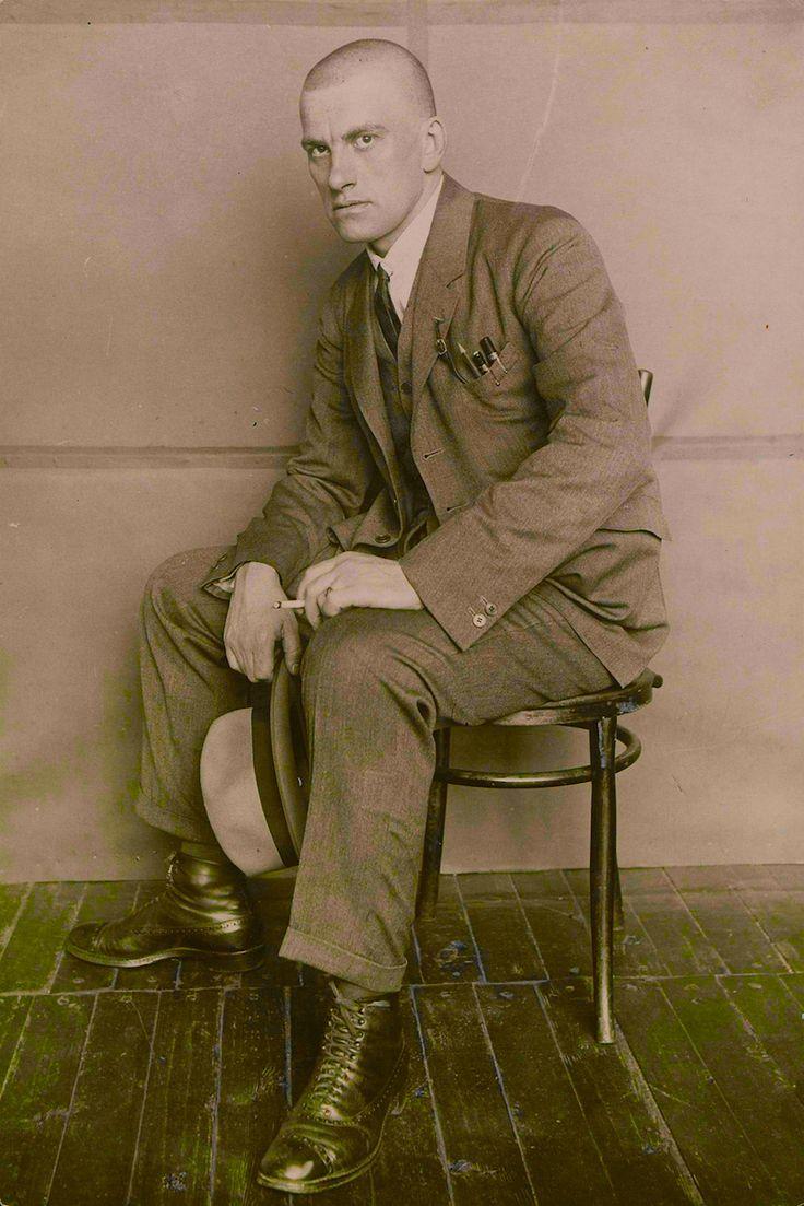 Vladimir Mayakovsky by Alexander Rodchenko (1924)