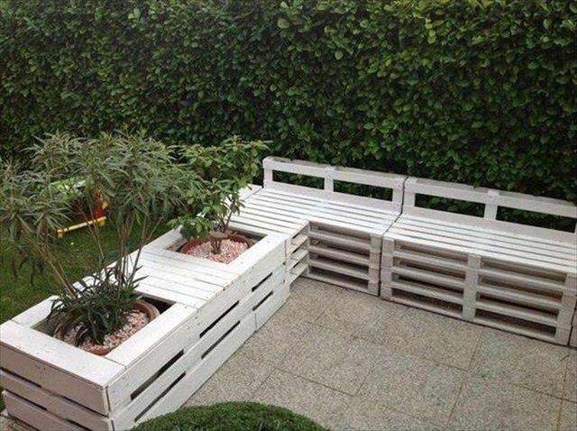 Pallet Yard Furniture: Pallet bench