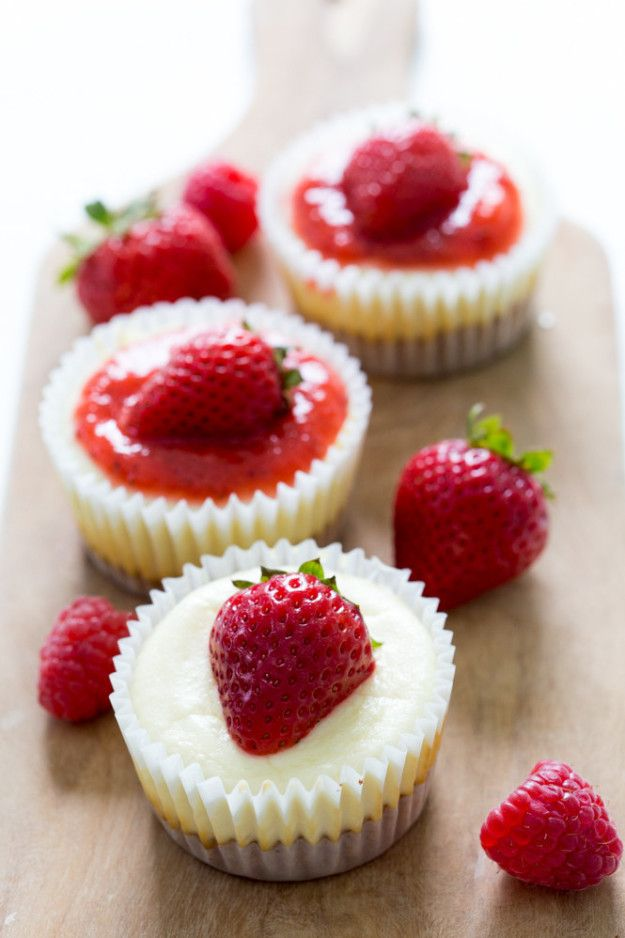 Third place goes to these adorable 40-minute Mini Cheesecake Cupcakes with Strawberry Sauce. | These Are The Most Popular Cheesecake Recipes, According To Pinterest