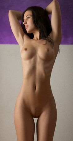 ridiculously hot nude girls
