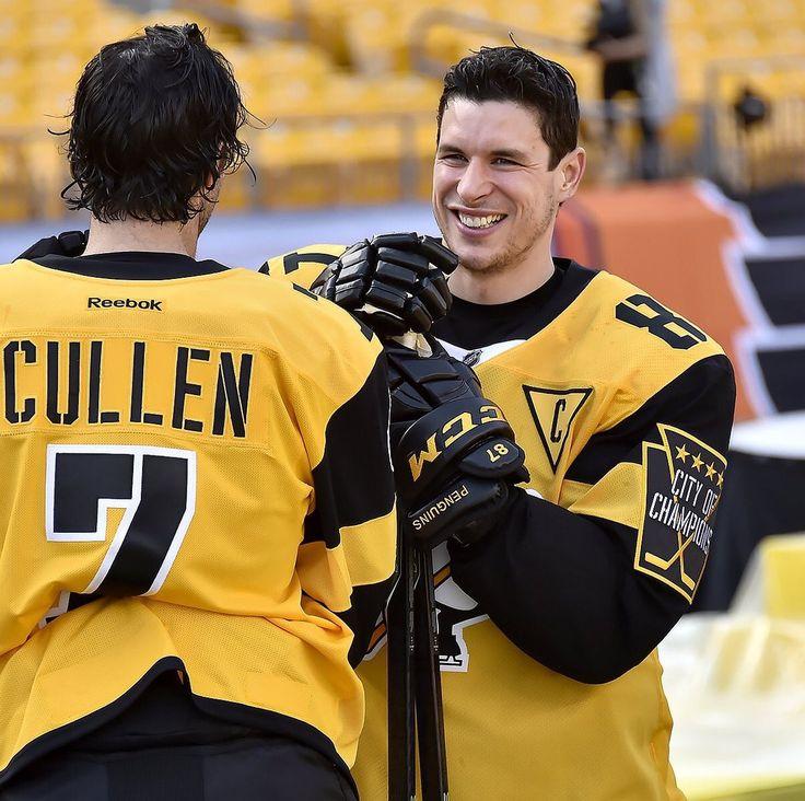 Sidney Crosby and Matt Cullen