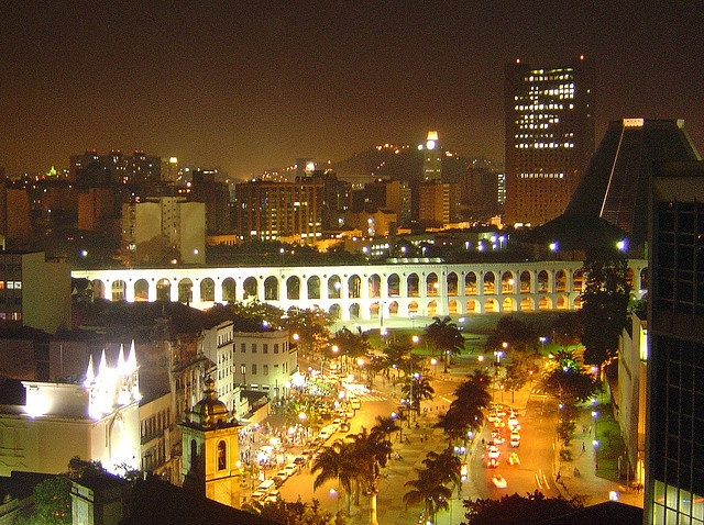 Arcos da Lapa by night, Rio de Janeiro, BRASIL. Photo by Carlos Monte Jr, via Flickr.