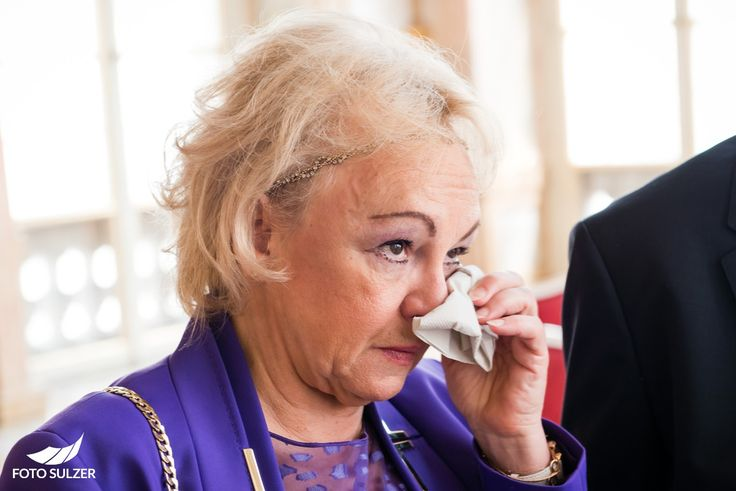 Tränen der Freude bei Hochzeit in Mirabell, Salzburg