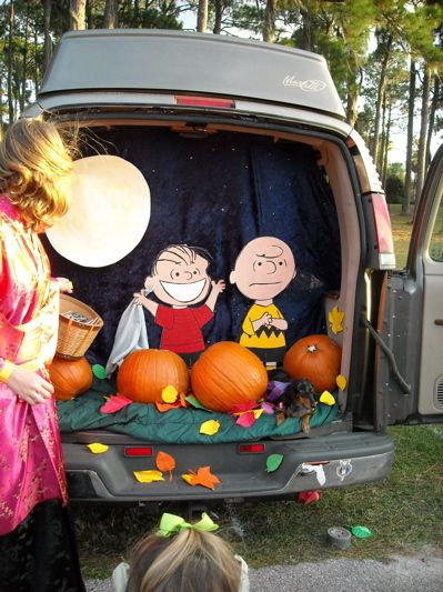 trunk or treat decorating ideas | The Knitting Wannabe » Blog Archive » Trunk or Treat