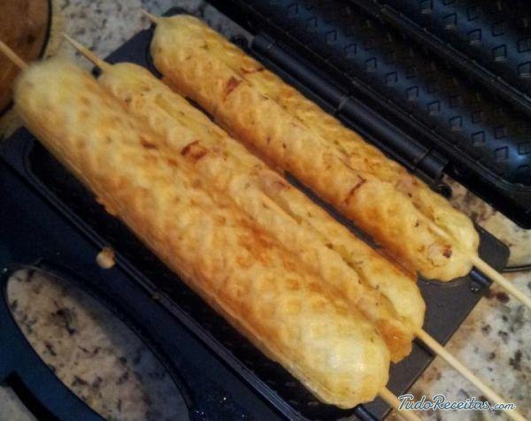 Aprenda a preparar crepe suíço com esta excelente e fácil receita.  Na Europa existem algumas variações de crepe, entre as quais se incluem também as panquecas e os...