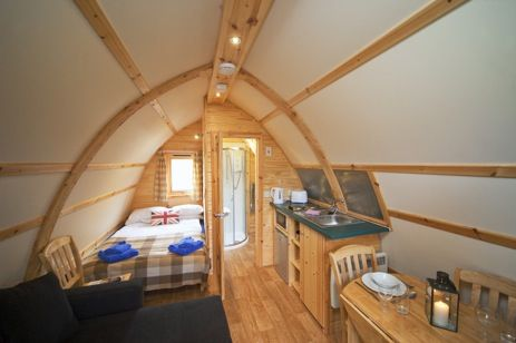 Glamping Scotland with Hot Tub. Loch Tay Highland Lodges with Glamping are situated in the highlands on the shores of Loch Tay surrounded by mountains.