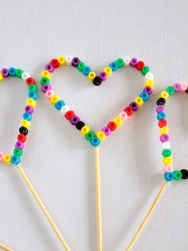 Perler Beads Bubble Wand (can be used as party favours or party gifts) - video tutorial