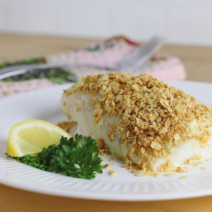 Try this awesome gluten free recipe: Heart Healthy Baked Cod made with our Gluten Free Sea Salt Crackers!⠀  Preheat the oven to 350°F. Grease a small baking pan, and place fish fillets (2 lbs of cod) in pan. Cover the top and sides of fish with cracker mixture of 5 tbsp melted butter and 3 cups of crushed Milton's Sea Salt Crackers. Bake for 20 minutes, or until the fish flakes easily. Salt to taste. #fishrecipesbaked