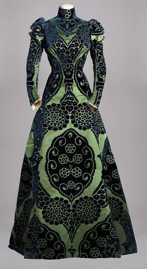 Vestido de té de Charles Frederick Worth (1895).