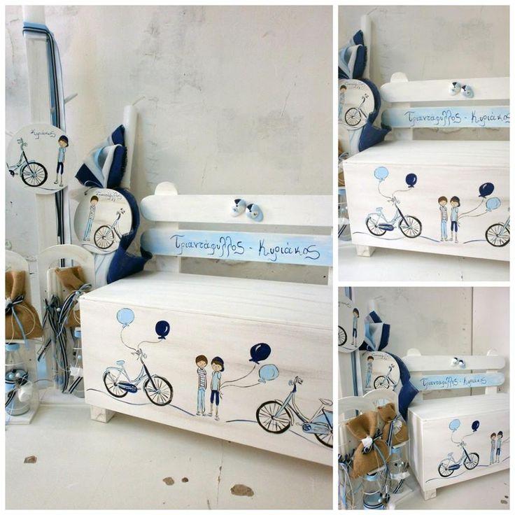 Πακέτο νονού με θέμα το ποδήλατο.   Το πακέτο νονού περιλαμβάνει:   Παγκάκι ξύλινο Διαστάσεις : 60x60x25 εκ Λαμπάδα ή κηροστάτη Σετ λαδόπανα ελληνικής ραφής (περιέχει: πετσέτα μικρή, πετσέτα μεγάλη σεντόνι, σετ εσώρουχα - καπελάκι) Μπουκαλάκι Σαπουνάκι 3 κεράκια κολυμπήθρας   &nbs