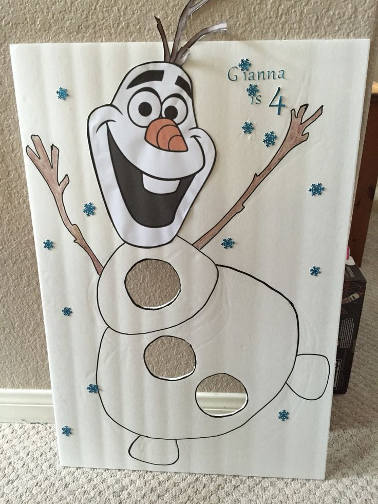 FROZEN two in one game. bean bag or foam ball toss and pin the nose on Olaf.