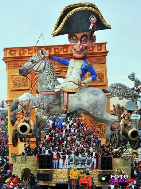 """""""Carnevale viareggio 2012-prima categoria """"Grandeur""""#carnevale #viareggio - Repinned by #hoteltettuccio Montecatini Terme"""