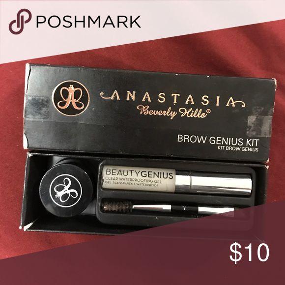 Anastasia eyebrow kit Eyebrow kit medium brown with gel and eyebrow brush.made in italy Anastasia Beverly Hills Makeup Eyebrow Filler