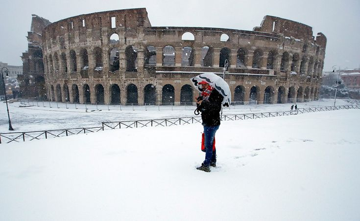 """""""La bestia del este"""": la ola de frío siberiano que ha cubierto Roma de nieve, en imágenes"""