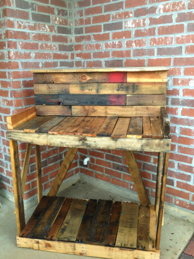 Diy build your own pallet potting table diy pallet for Build your own patio table