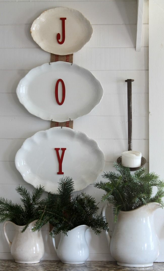 Christmas Decorating with free evergreens and antiques | www.knickoftime.net