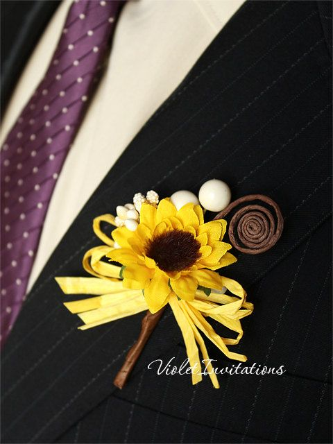 This listing is for Set of 3 sunflower beautiful handmade boutonnieres for groom, groomsmen, father and guests, made to order. Perfect for a