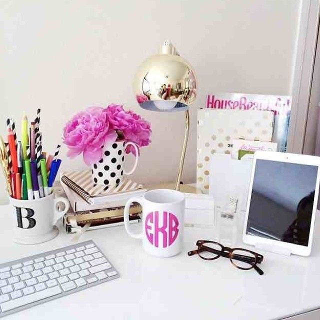 pretty desk decor: image via Brighton the Day I should use a mug as a pencil pot