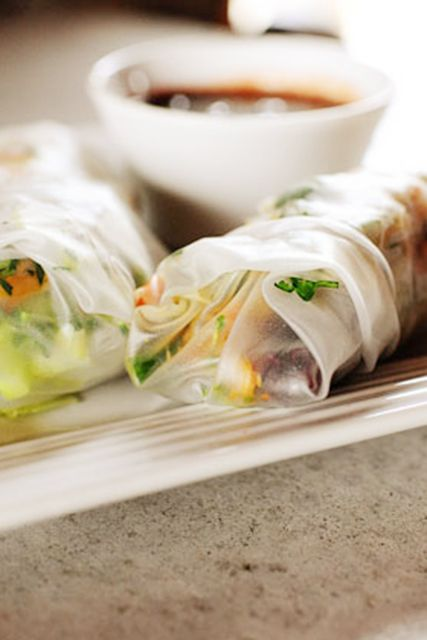 The Pioneer Woman | Ree Drummond Leftover turkey spring rolls