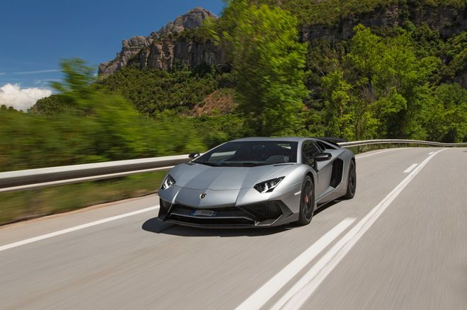2016 Lamborghini Aventador LP 750-4 Superveloce - First Drive Review - Motor Trend