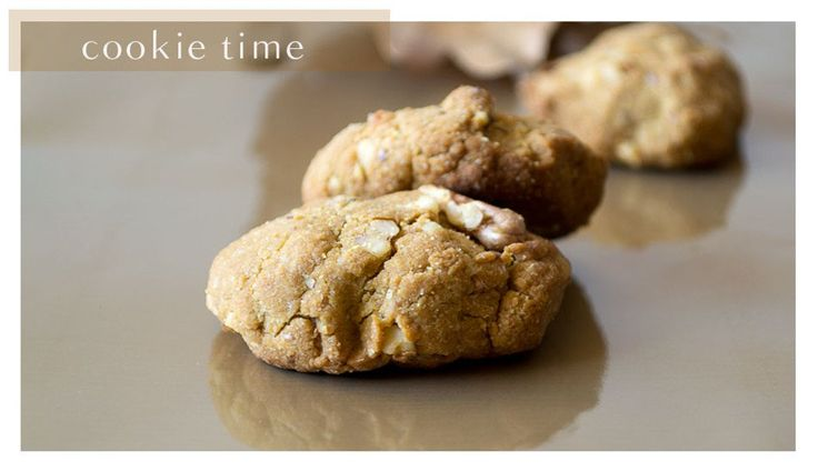 <p>These cookies will fill your house with the same warm and welcoming smell as childhood cookies should and definitely taste like heaven, without the milk and eggs.</p>