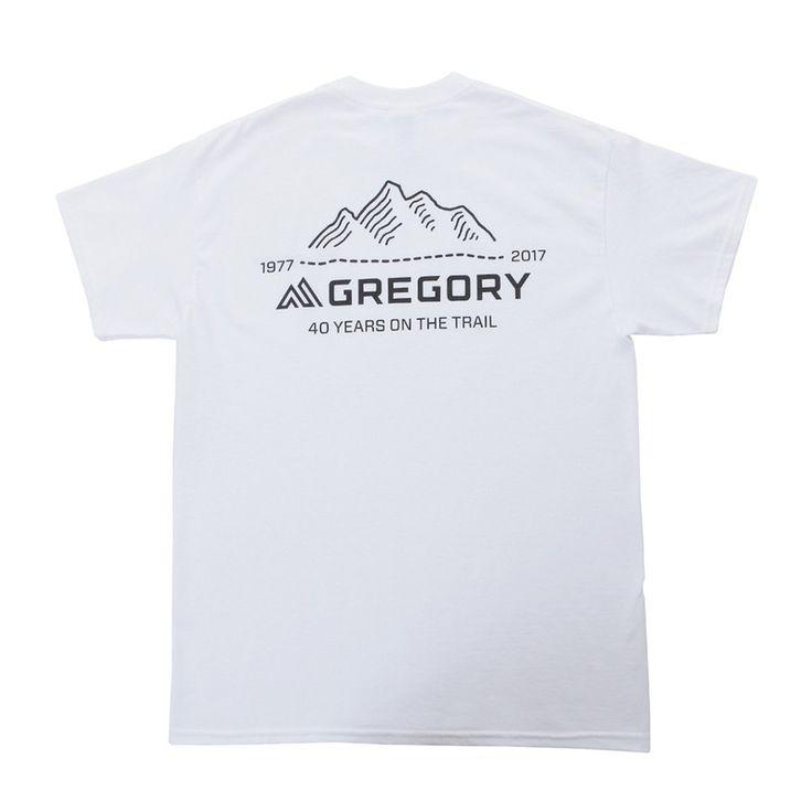 グレゴリーのブランド40周年を祝うTシャツです。フロントにグレゴリーのロゴ、バックには40周年の為にデザインされたアニバーサリーロゴを配しました。100%コットン、サイズはUSサイズです。201713w_0328SPECS 製品仕様S 着丈:69cm 身幅:47cm 裄丈:43cmM 着丈:72cm 身幅:51cm 裄丈:46cmL 着丈:74.5cm 身幅:56cm 裄丈:49.5cmカラーホワイトモデル番号915141908 915151908 915161908