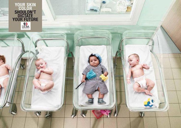 """1. """"Kolor skóry nie powinien decydować o twoim życiu"""" (Francja)."""