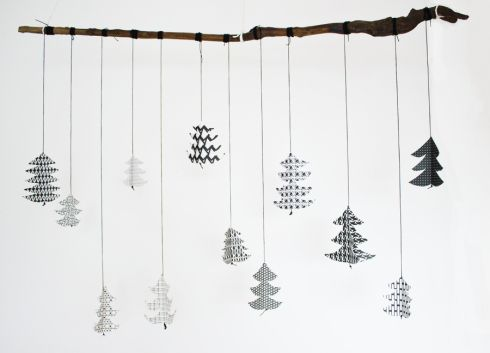 christmas-tree-paper-mobile-diy-tutorial