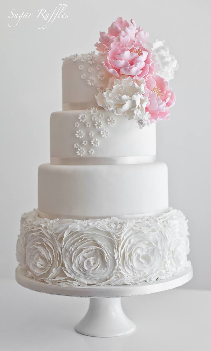 sugar ruffles elegant wedding cakes sugar ruffles wedding cakes ruffles amp layers 20586