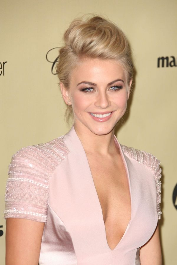 Julianne Hough- updo for short hair  Julianne Hough  Parties Hair    Julianne Hough Short Hair Updo