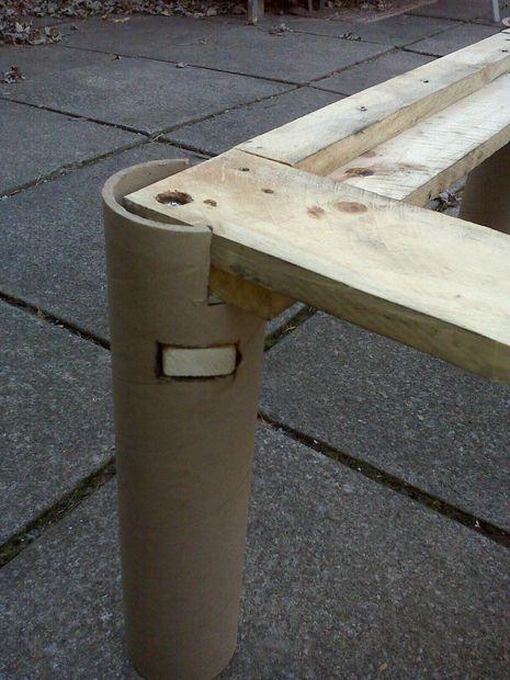 tubos de cartón como patas de un palet reciclar tubos de carton