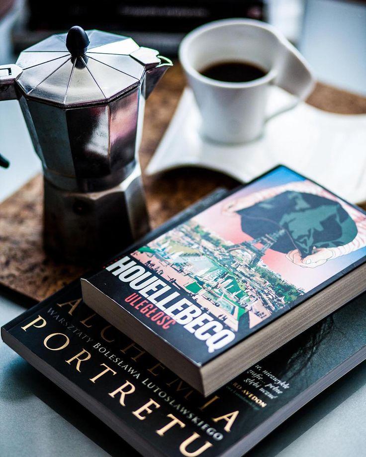 #kawa #porannakawa #coffee #coffetime #houellebecq #uległość #soumission #relax#relaksejszyn#dayoff #FTW#espresso#polishboy#polishmen#wchujhasztagow#italiancoffe#frenchliterature#canon#canonmark5d#photographer#perfectday