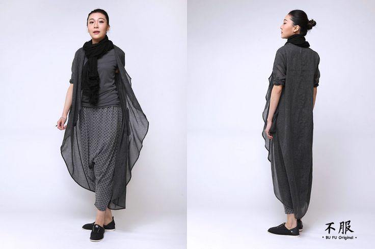 不服 薄紗棉麻材質 立體剪裁防曬長版開衫 深灰 SH150304 - 不服(bufu)- 新中式女裝 | Pinkoi