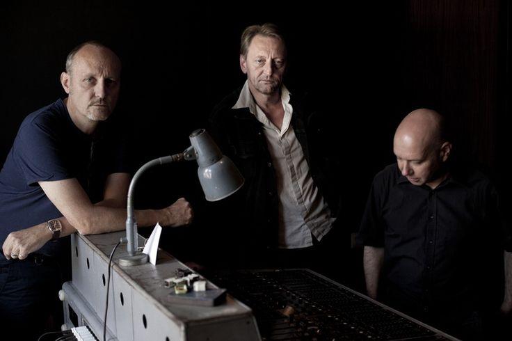 German band Automat is in The Attic with a talk on their collaborations, background and Berlin airports. #Automat #Berlin #EinstürzendeNeubauten #GenesisPOrridge #BureauBRecords #LydiaLunch #BlixaBargeld #JochenArbeit #TheAtticInterviews #industrial #experimental