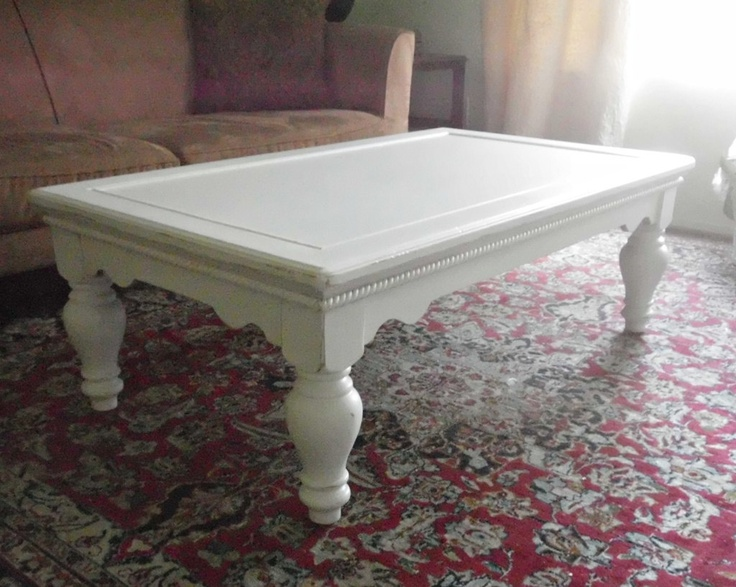 white shabby spacious rectangle coffee table chunky legs. Black Bedroom Furniture Sets. Home Design Ideas