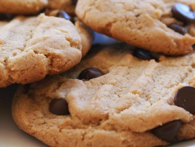 galleta con chispas de chocolate....Una receta para hacer con los niños.