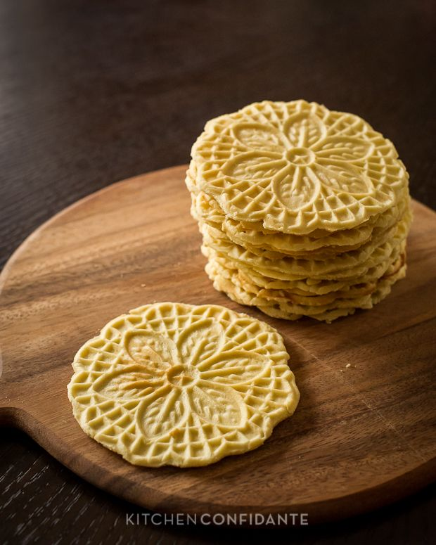 Authentic Pizzelle - Italian Waffle Cookies from @Liren Baker | Kitchen Confidante