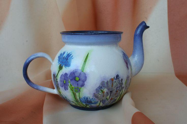 Czajnik z kwiatami polnymi
