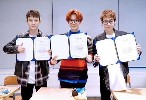 EXO-CBX - 161111 Official EXO Vyrl update Credit: Official EXO Vyrl.