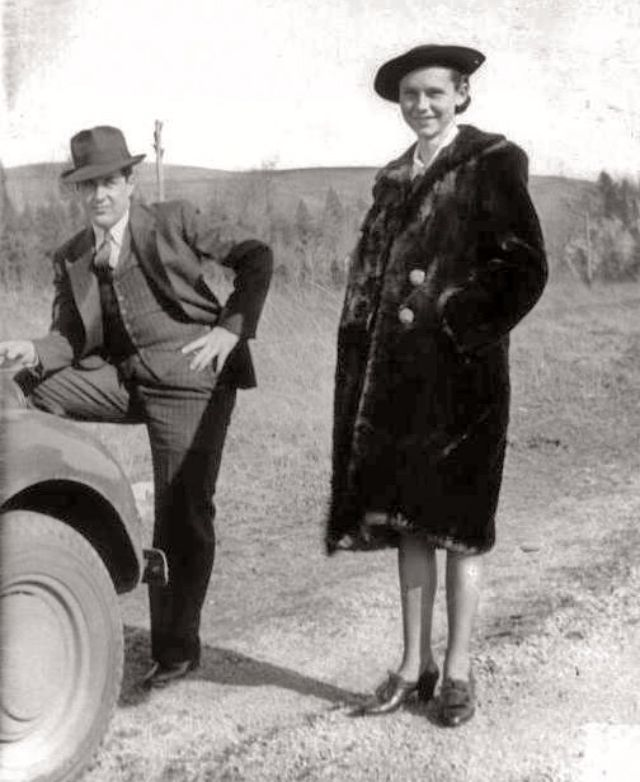 bonnie and clyde famous american outlaws Courtesy: a+e networks on this day in 1934, notorious criminals bonnie parker and clyde barrow are shot to death by texas and louisiana state police while.