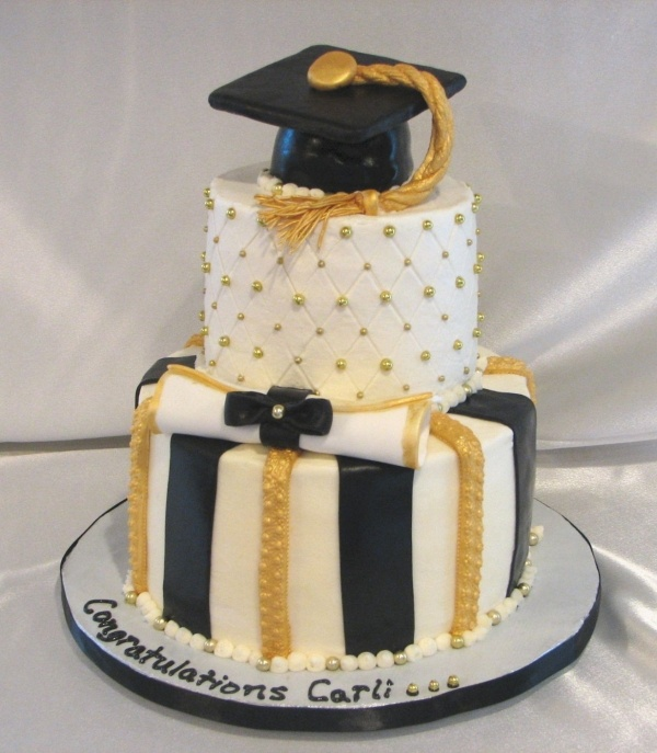 Black, white and gold graduation cake Graduation ideas ...