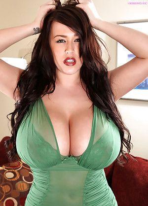 Busty Latina Porn 21