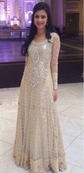 Pakistani couture. uploaded by Fatimah Hayat.